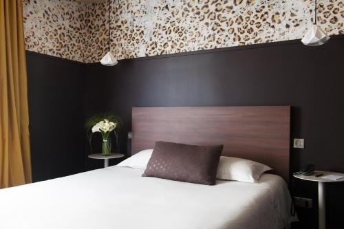 L'Hotel - фото 2