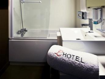 L'Hotel - фото 8