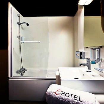 L'Hotel - фото 9