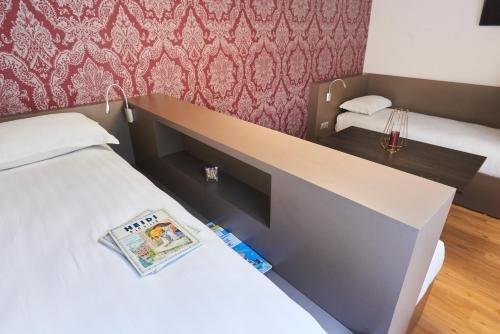 Logis Hotel Duquesne - фото 4