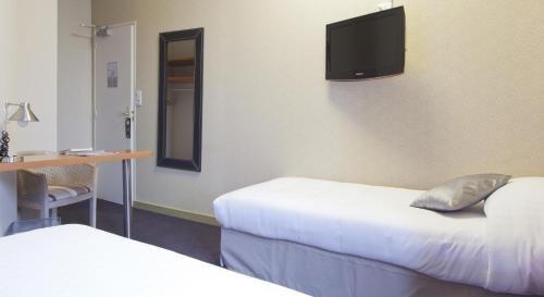 Logis Hotel Duquesne - фото 5