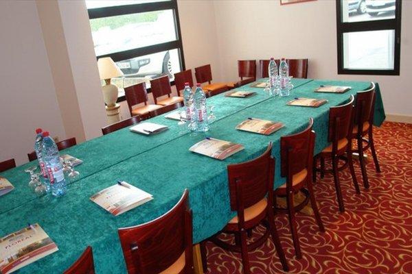 Brit Hotel Rennes Cesson - Le Floreal - фото 20