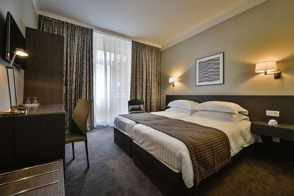 Hotel Maison Rouge - фото 2