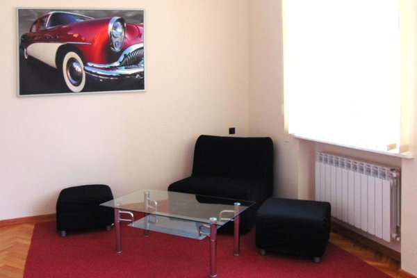 B Movie Guest Rooms - фото 17