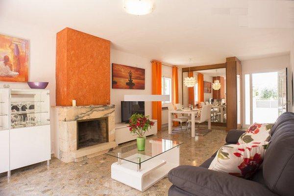 BOVEDA HOUSES   SANT ANDREU DE LA BARCA - фото 3