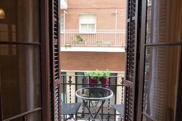Sagrada Familia Apartment Balcony - фото 21