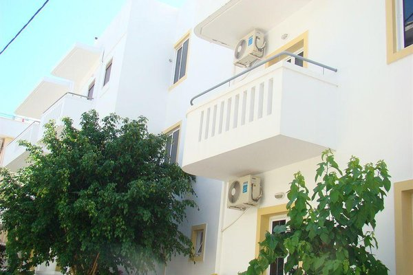 Diamond Apartments & Suites - фото 23