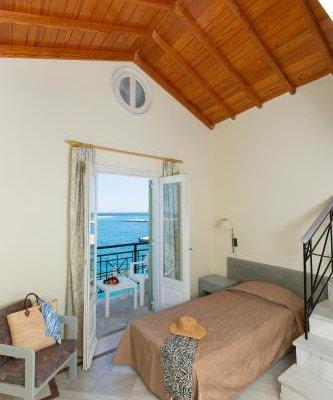Samaina Port Hotel - фото 1