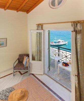 Samaina Port Hotel - фото 13