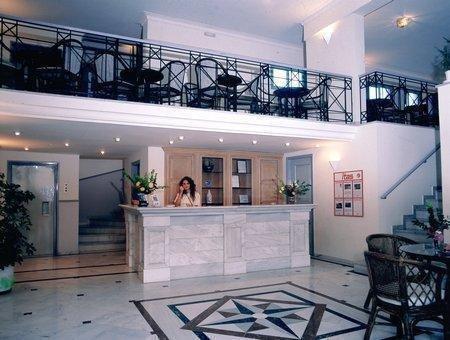 Samaina Port Hotel - фото 9