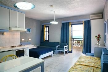 Latania Apartments - фото 1