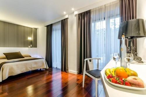 Hotel Apolonia - фото 1