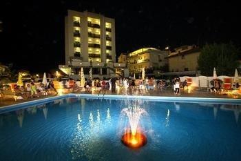Hotel Avila In - фото 19