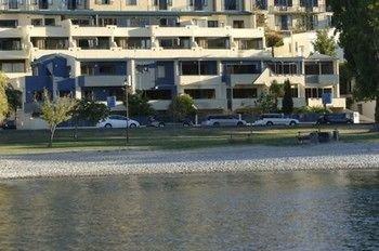 Lakefront Apartments - фото 23