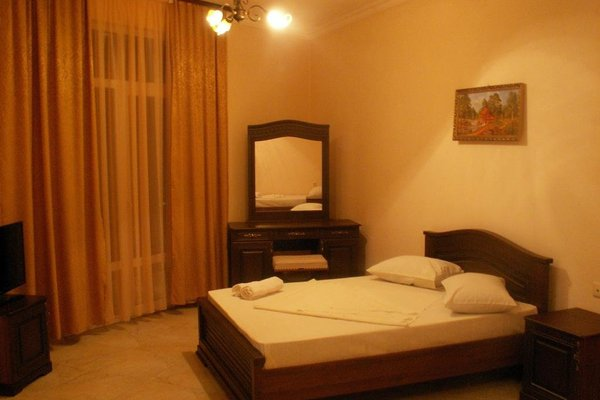 Santorini Guest House - фото 0
