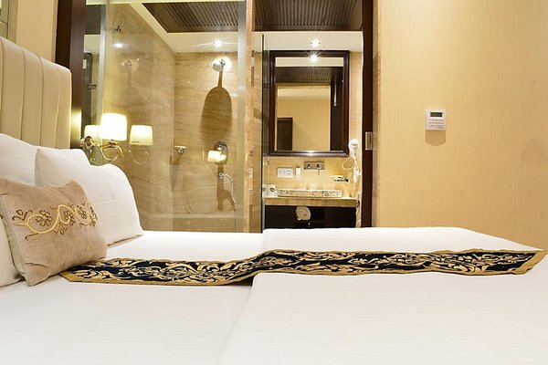 Hotel Emperor Palms at Karol Bagh - фото 6