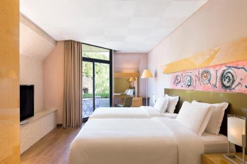 Four Points by Sheraton Catania Hotel - фото 1