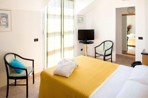 Отель Lamberti - фото 2