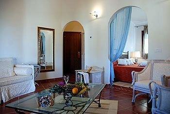 Hotel Monti Di Mola - фото 2