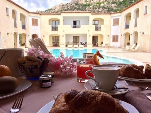 Hotel Monti Di Mola - фото 21