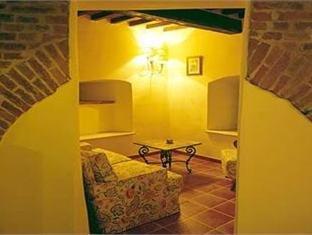 Castello di Leonina - фото 15