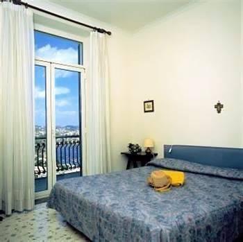 Hotel Cala Moresca - фото 1