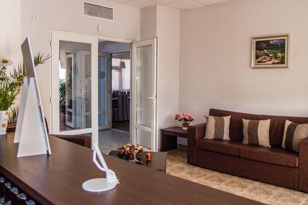 Ivian Family Hotel - фото 7