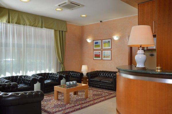 Astor Hotel - фото 3