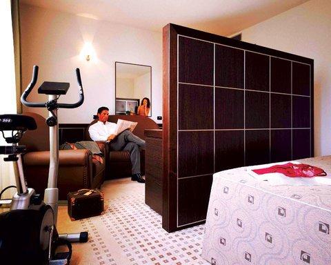Aemilia Hotel Bologna - фото 3