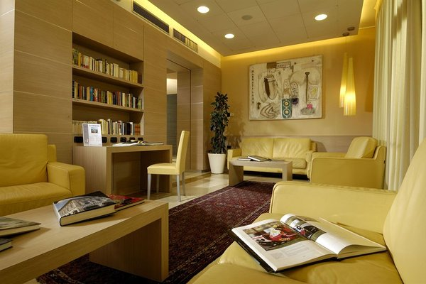 Aemilia Hotel Bologna - фото 4