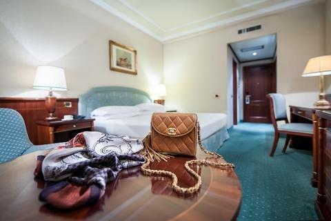 Royal Hotel Carlton - фото 2