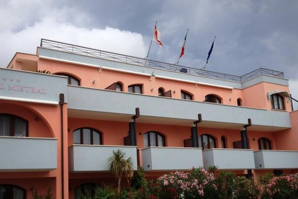 Mistral Hotel - фото 19
