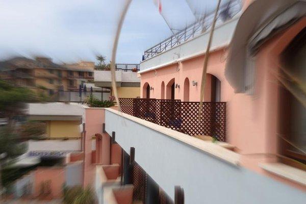 Mistral Hotel - фото 20