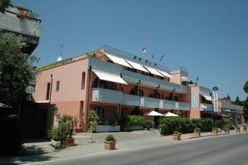 Mistral Hotel - фото 22