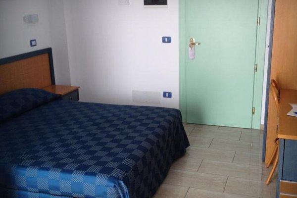 Mistral Hotel - фото 3