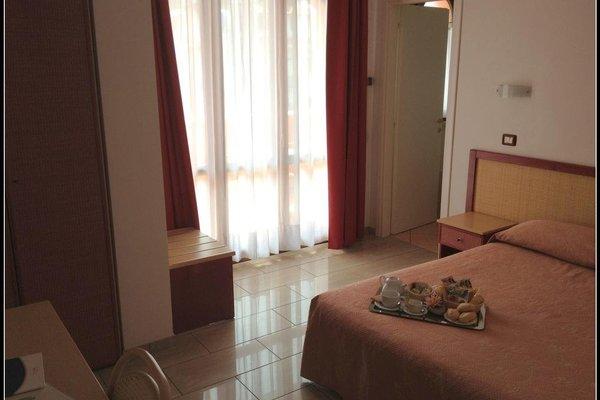 Mistral Hotel - фото 4