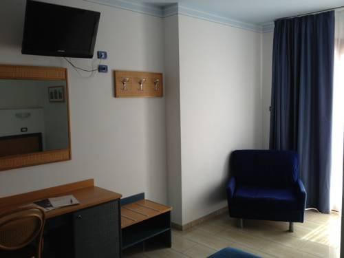 Mistral Hotel - фото 5