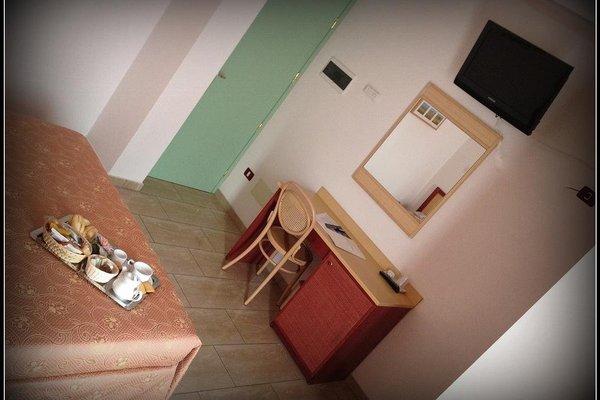 Mistral Hotel - фото 7