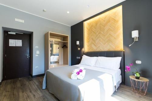 Plana Hotel - фото 2