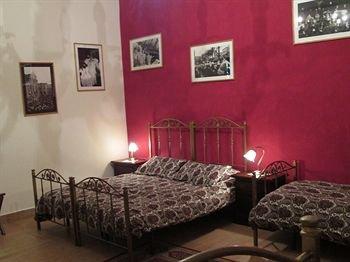 Catania City Center Apartments - фото 3
