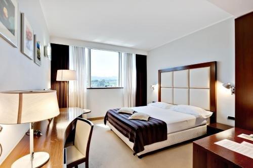 Italiana Hotels Cosenza - фото 2
