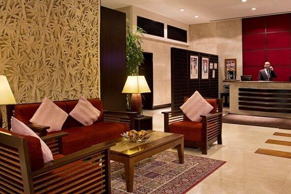 Park Hotel Apartments - фото 2