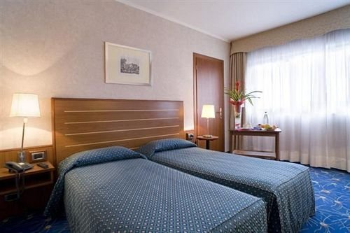 Cristal Hotel - фото 1