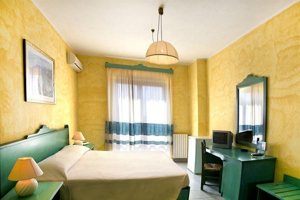 Отель «Smeraldo», Кала-Гононе