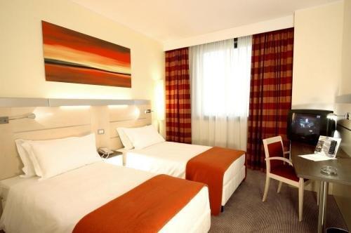 Best Western Palace Inn Hotel - фото 22