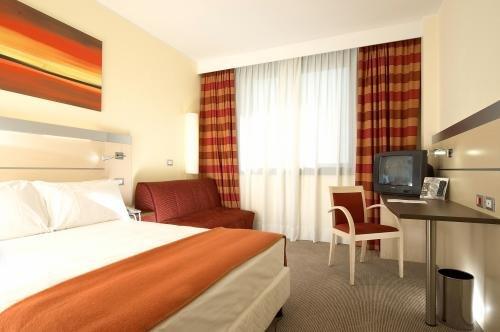Best Western Palace Inn Hotel - фото 2