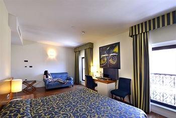 Hotel Ferrara - фото 1