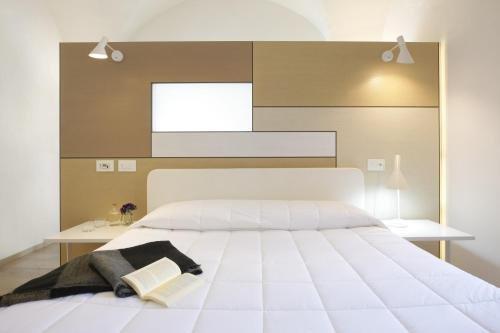 Santacroce Luxury Rooms - фото 1