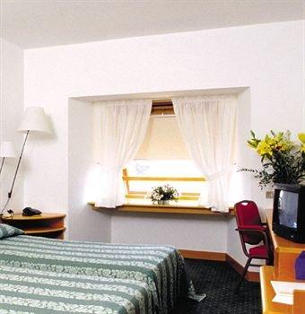 Гостиница «Elitis», Леньяно