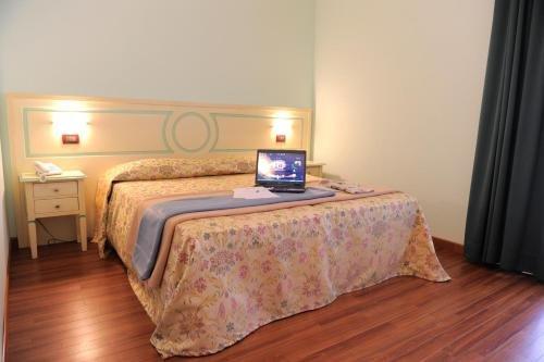 Hotel Plazza - фото 1